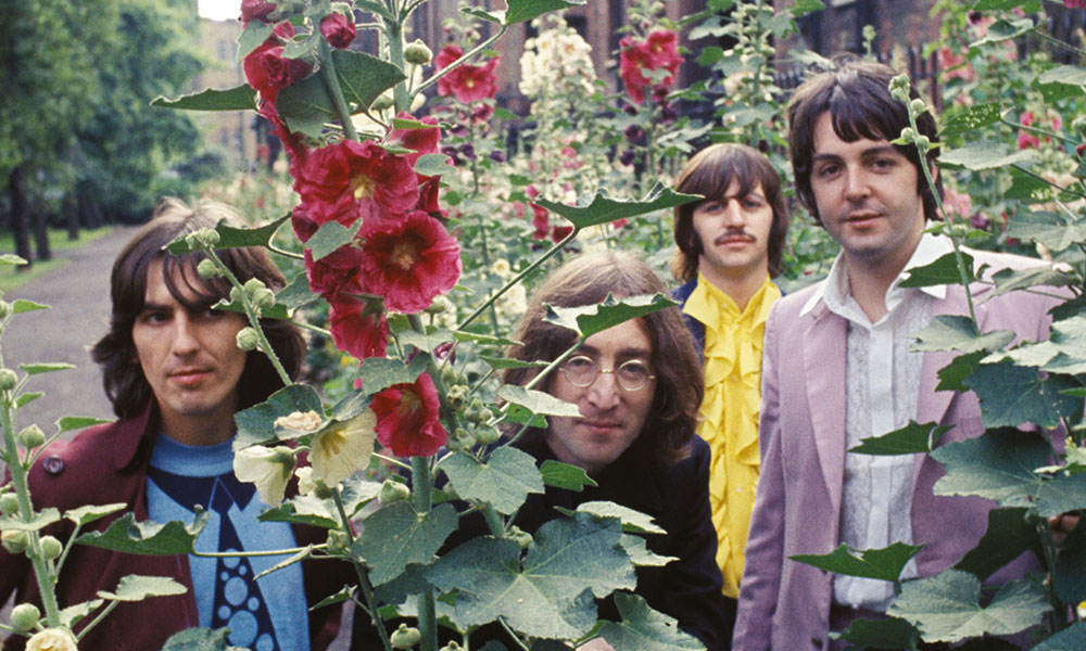 This image has an empty alt attribute; its file name is the-beatles-3.jpg